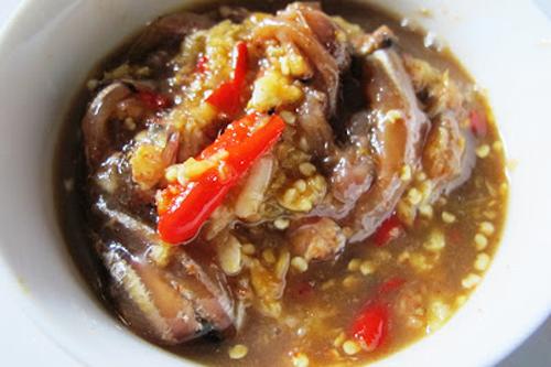 Mắm cái là món ăn quen thuộc trong các bữa cơm của người dân miền Trung chất phác.